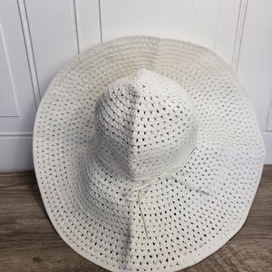 H&M White Floppy Beach Hat